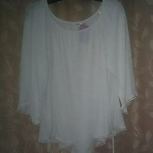 White 3/4 wide sleeve top